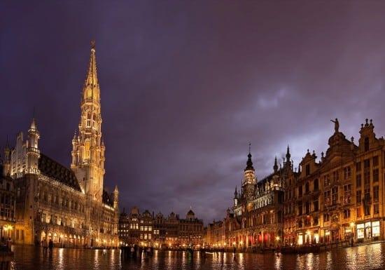 Grande place de Bruxelles de nuit